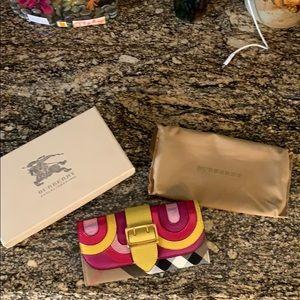 Burberry pop color Wallet